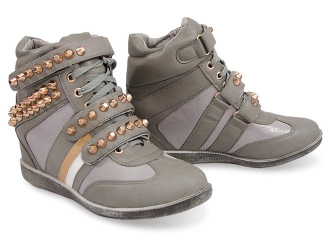 Białe sportowe buty ze srebrną wstawką Ciri